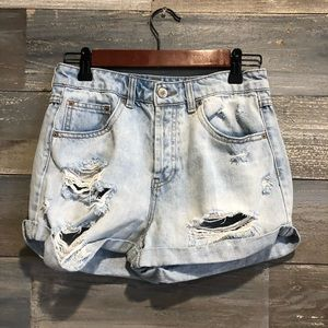 Forever 21 light wash ripped shorts 27/4